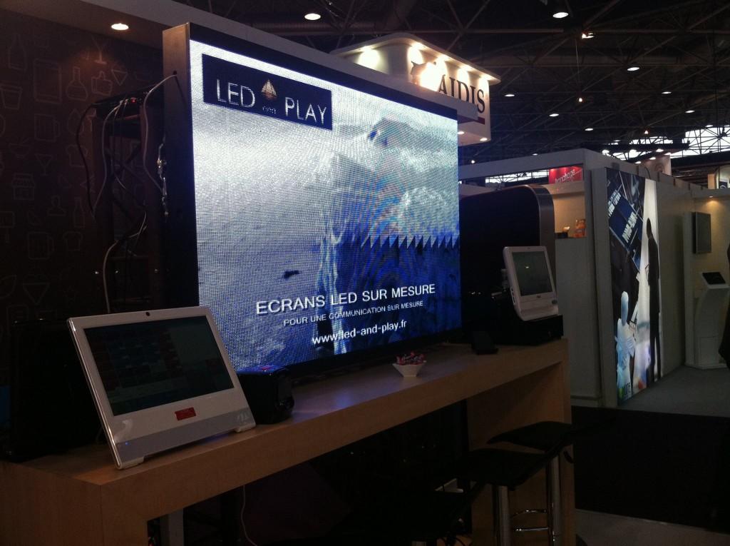 Ecran géant LED pour salons et évévements commerciaux