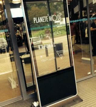 Présentoir Led à Planète Mode